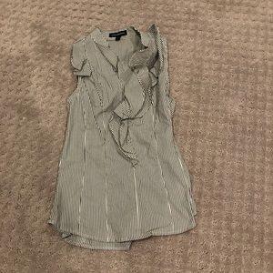Stripped sleeveless ruffle top